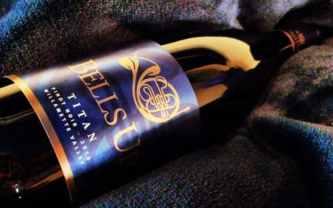 """Soon-to-be-Released 2016 Titan Pinot Noir """"Speaks Softly, But Carries a Powerful Reverb,"""" says Reviewer L.M. Archer"""